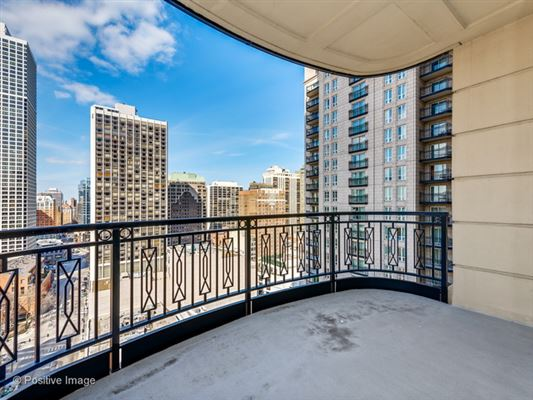 Mansions unbeatable city views