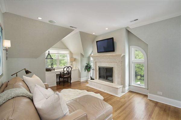 recently built classic home luxury properties