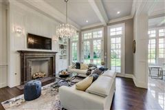 Mansions in Magnificent home in GLENCOE