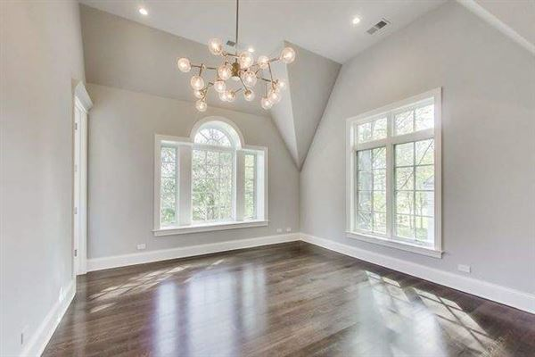 Magnificent home in GLENCOE luxury real estate
