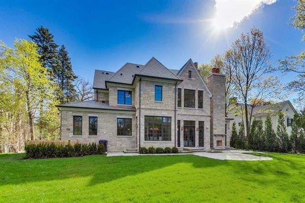 Magnificent home in GLENCOE luxury properties