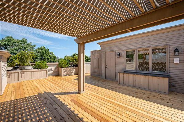 Luxury properties Beautiful Brick & Limestone Environs Re-Sale