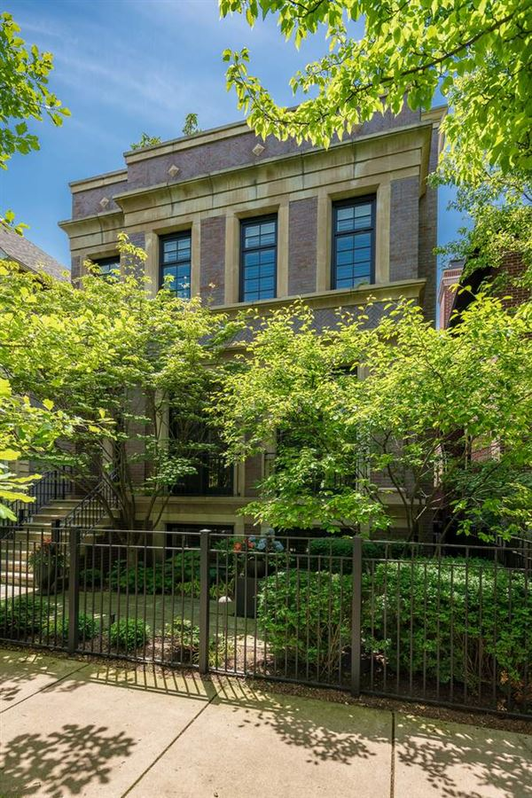 Mansions Beautiful Brick & Limestone Environs Re-Sale
