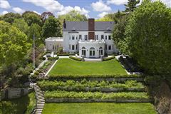 Mansions in LAKEFRONT luxury LIFESTYLE