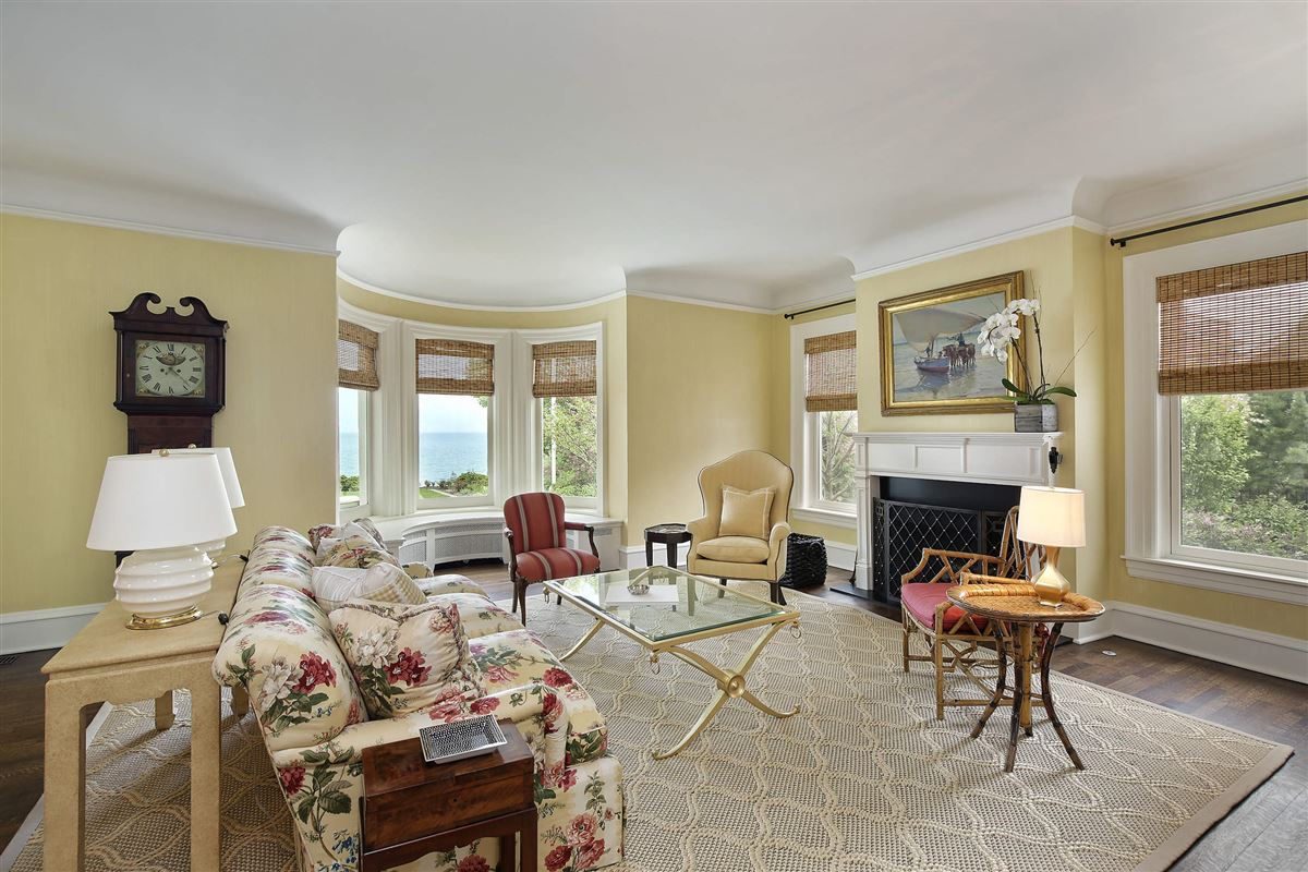 Luxury real estate LAKEFRONT luxury LIFESTYLE