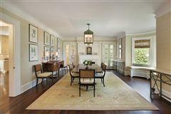 LAKEFRONT luxury LIFESTYLE luxury homes