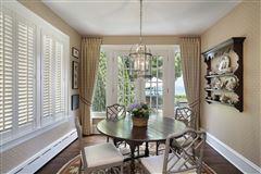 Luxury properties LAKEFRONT luxury LIFESTYLE