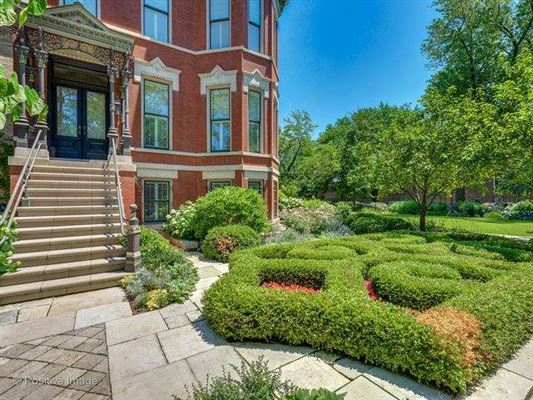 Luxury homes in outstanding 1886 Victorian home