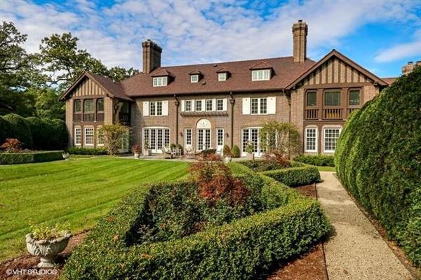 Classic english country living mansions