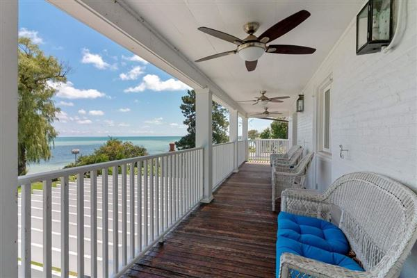 Luxury properties Executive rental on lake michigan