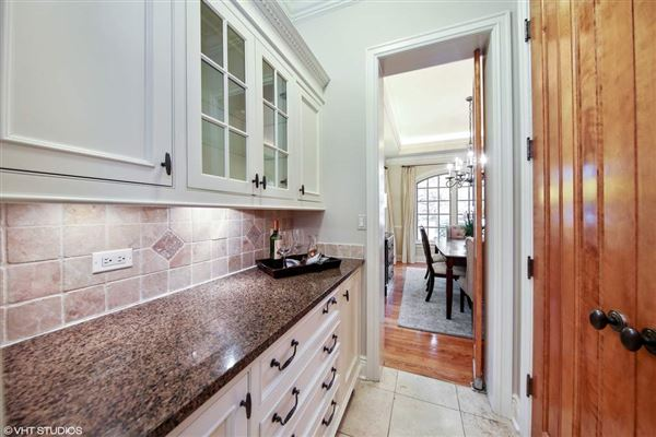 Luxury properties beautiful brick and stone six bedroom rental home