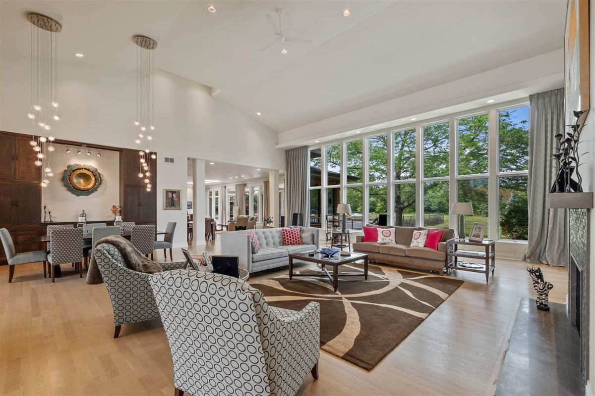a Gorgeous Contemporary home luxury real estate
