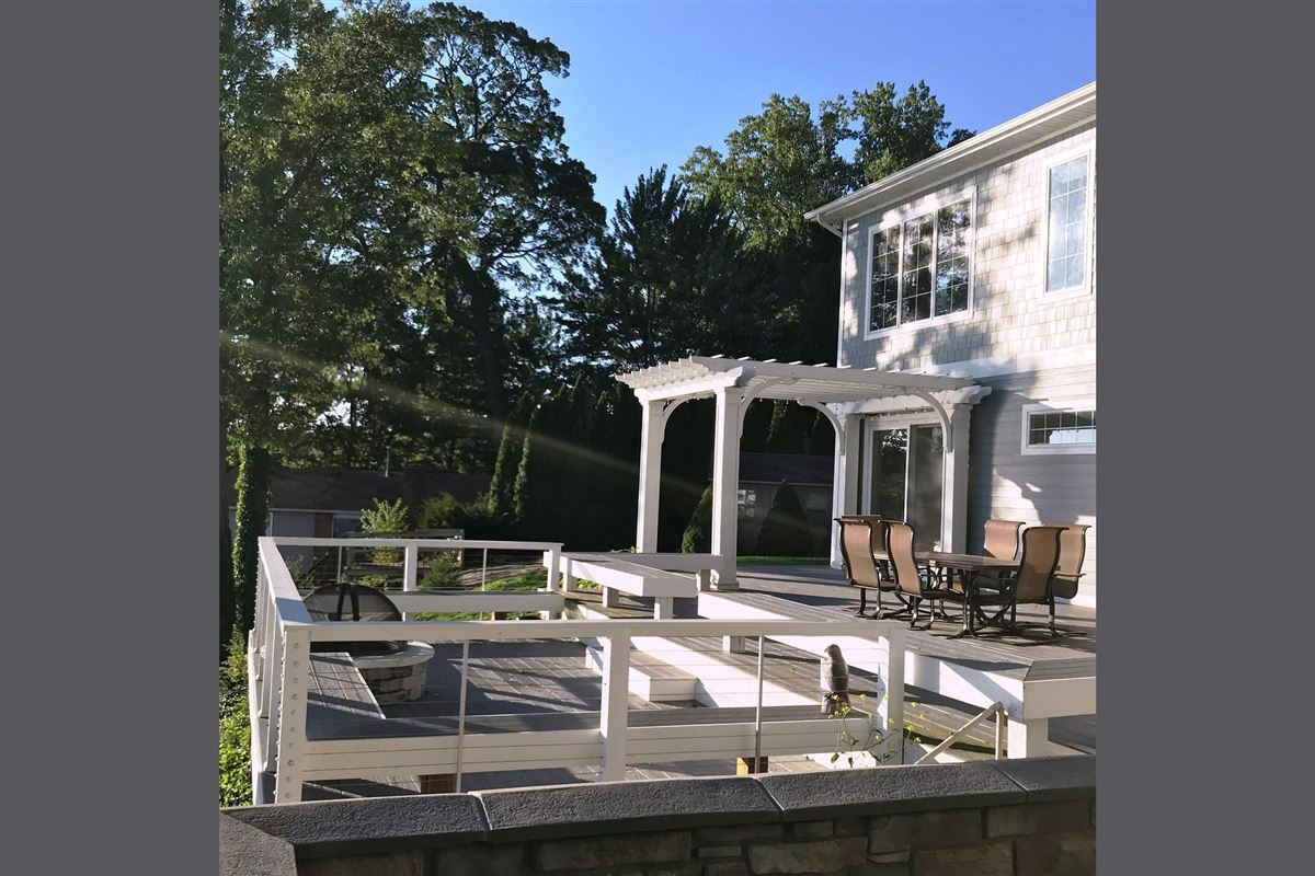 This Grand Home Provides Amazing Lake Views luxury properties
