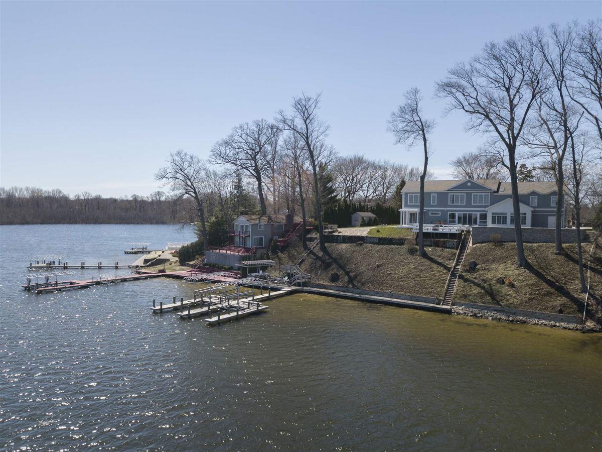 Mansions This Grand Home Provides Amazing Lake Views