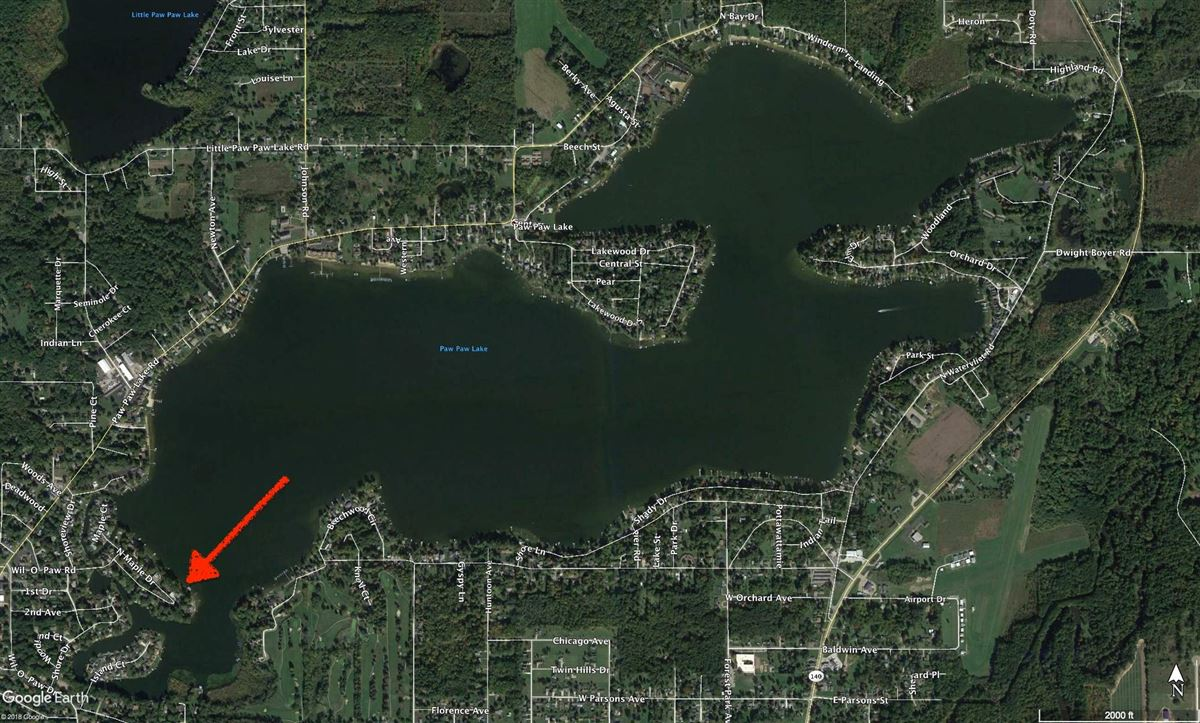 This Grand Home Provides Amazing Lake Views mansions