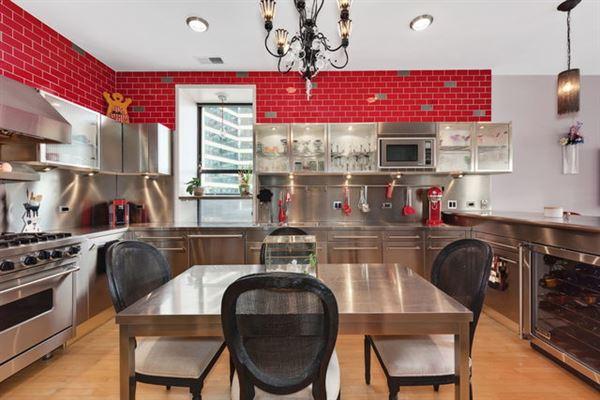Luxury properties Elegant condo in South Loop