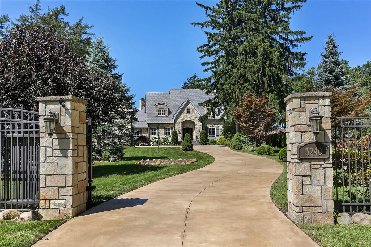 Luxury homes in Welcome to Fleur du Lac