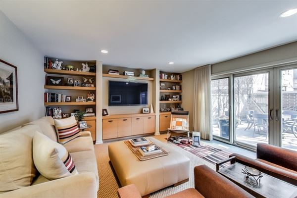 Luxury properties incredible Urban oasis