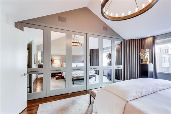 Luxury real estate incredible Urban oasis