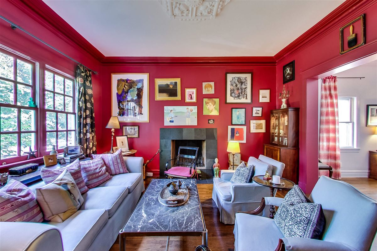 Luxury homes exceptional single family in prime Alcott district