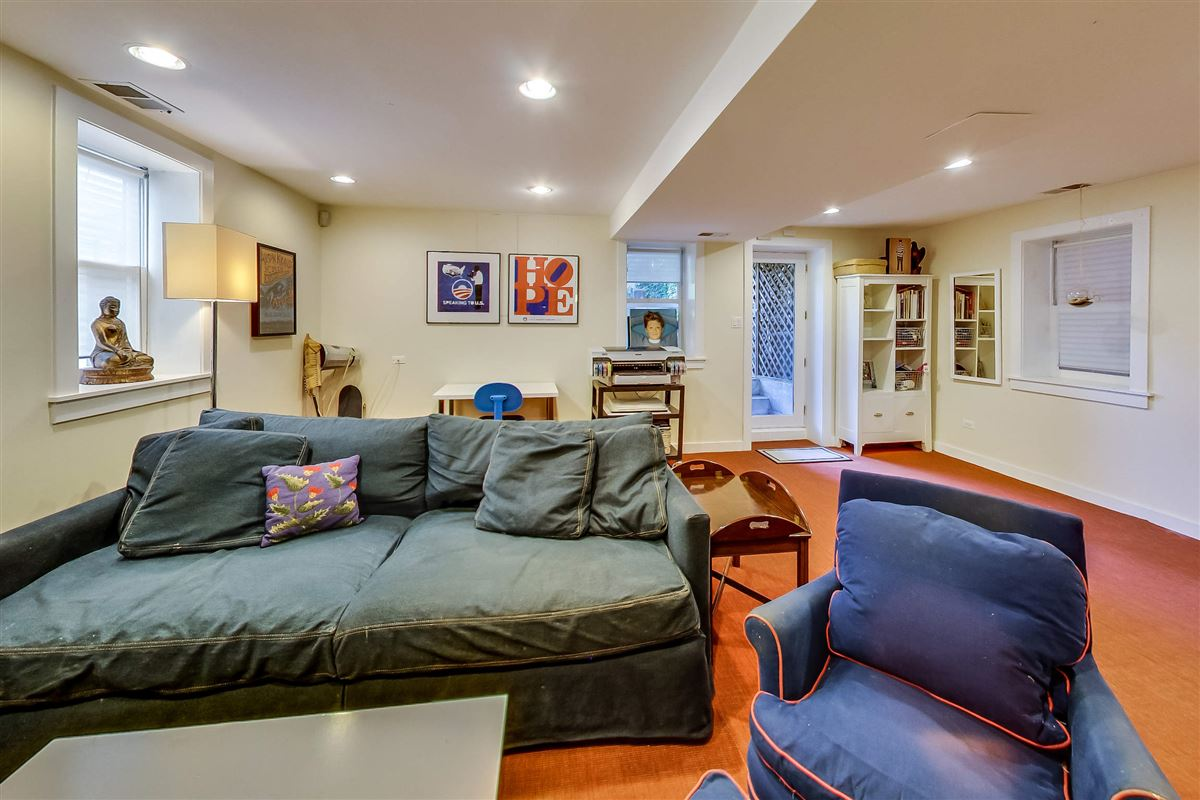 Mansions exceptional single family in prime Alcott district