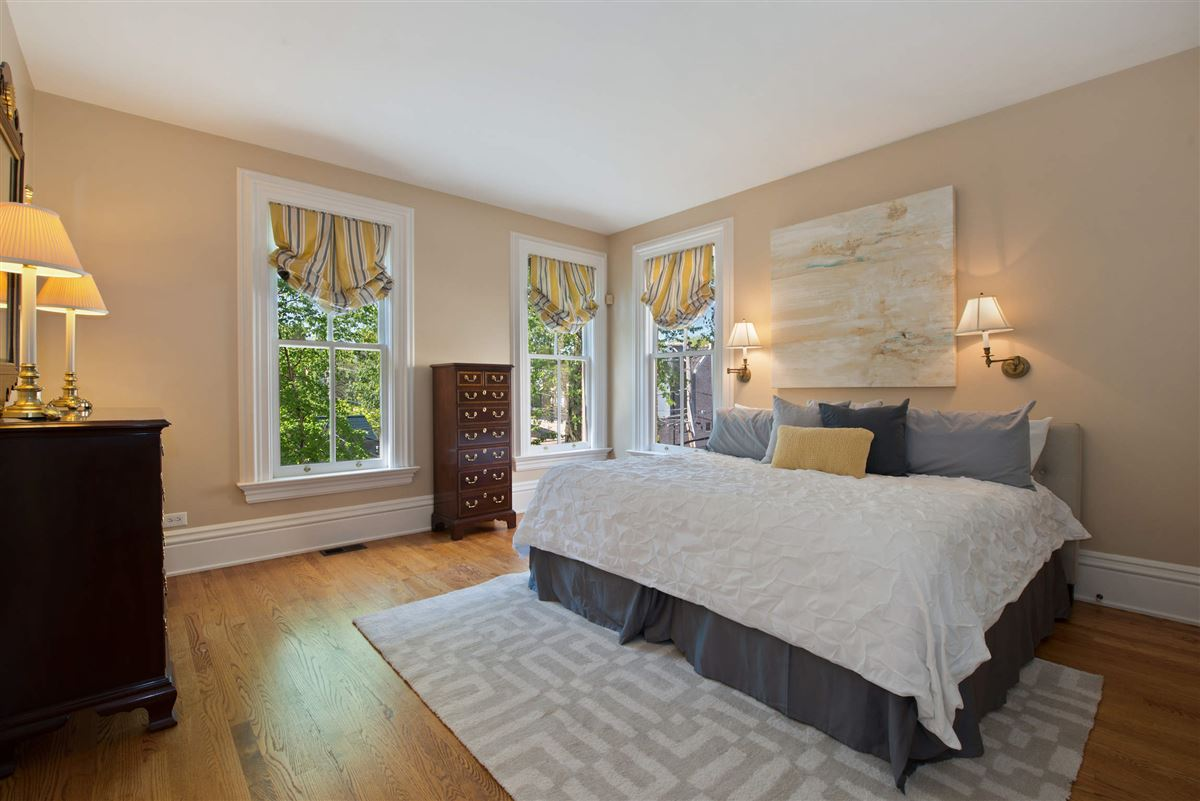Mansions Vintage charm in the heart of Lincoln Park
