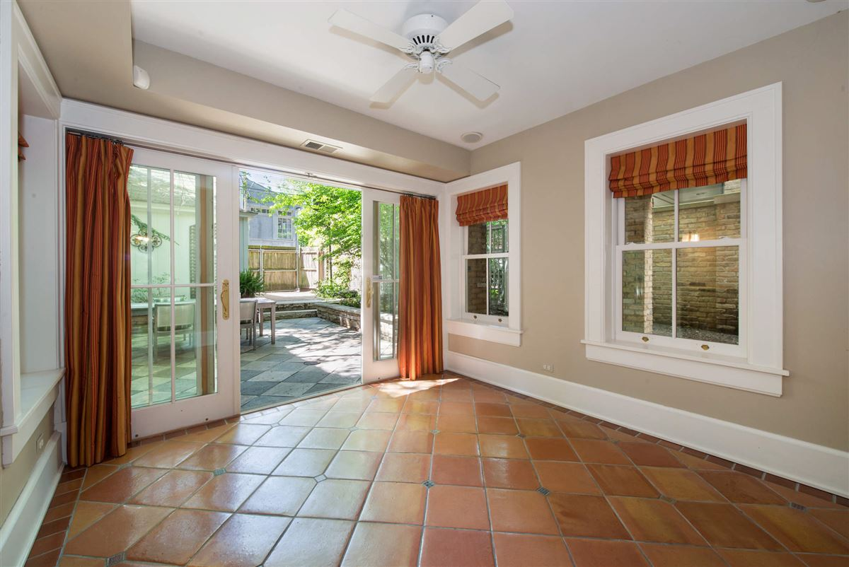 Vintage charm in the heart of Lincoln Park luxury properties
