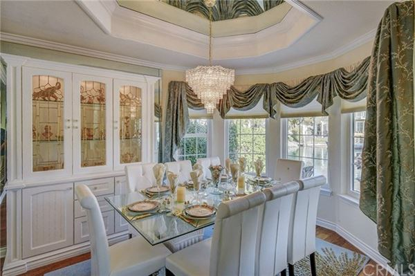 Luxury homes in Welcome to the Shores of Eastlake Village