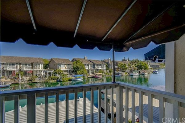Welcome to the Shores of Eastlake Village luxury homes
