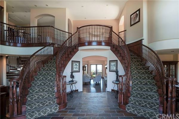 Mansions incredible property in Modjeska Canyon