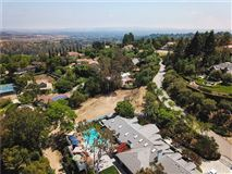 Mansions in ultra-premium lot with panoramic views