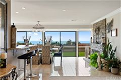 Luxury homes in extraordinary residence in Cameo Highlands