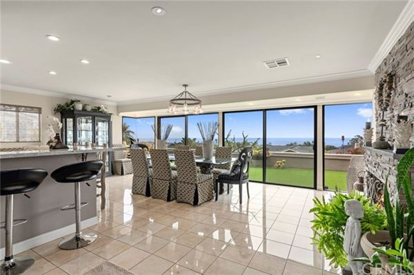 Luxury homes extraordinary residence in Cameo Highlands