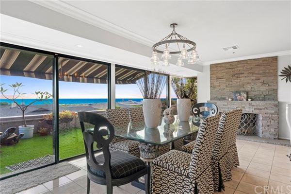 Luxury real estate extraordinary residence in Cameo Highlands