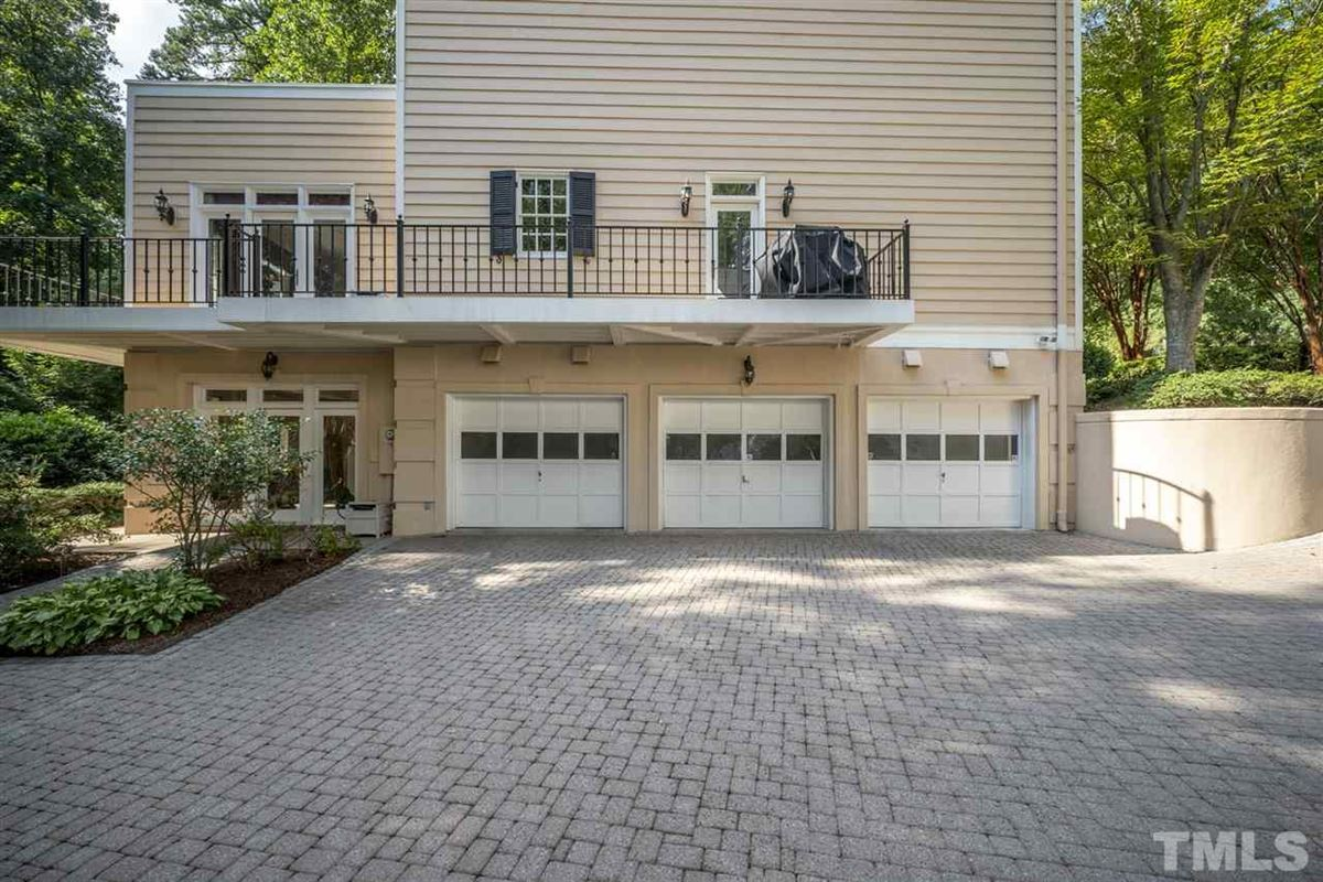 Luxury properties magnificent home in raleigh