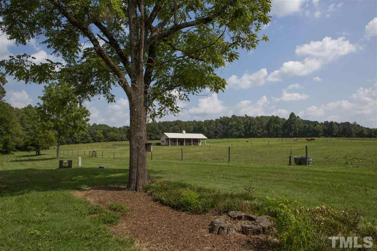 Gorgeous horse farm on over 90 acres luxury homes