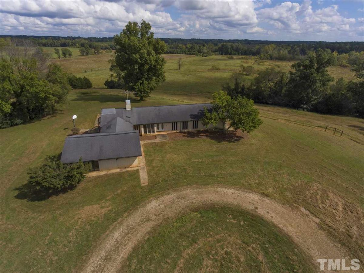 Luxury real estate 290 acres of beautiful rolling land