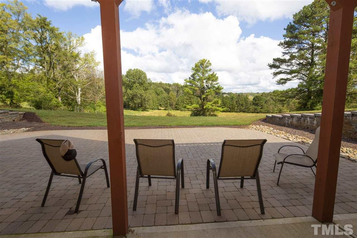 Luxury homes 290 acres of beautiful rolling land