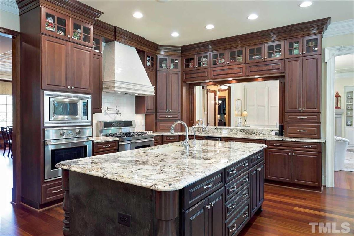 Magnificent Country French estate on MacGregor Downs golf course luxury real estate