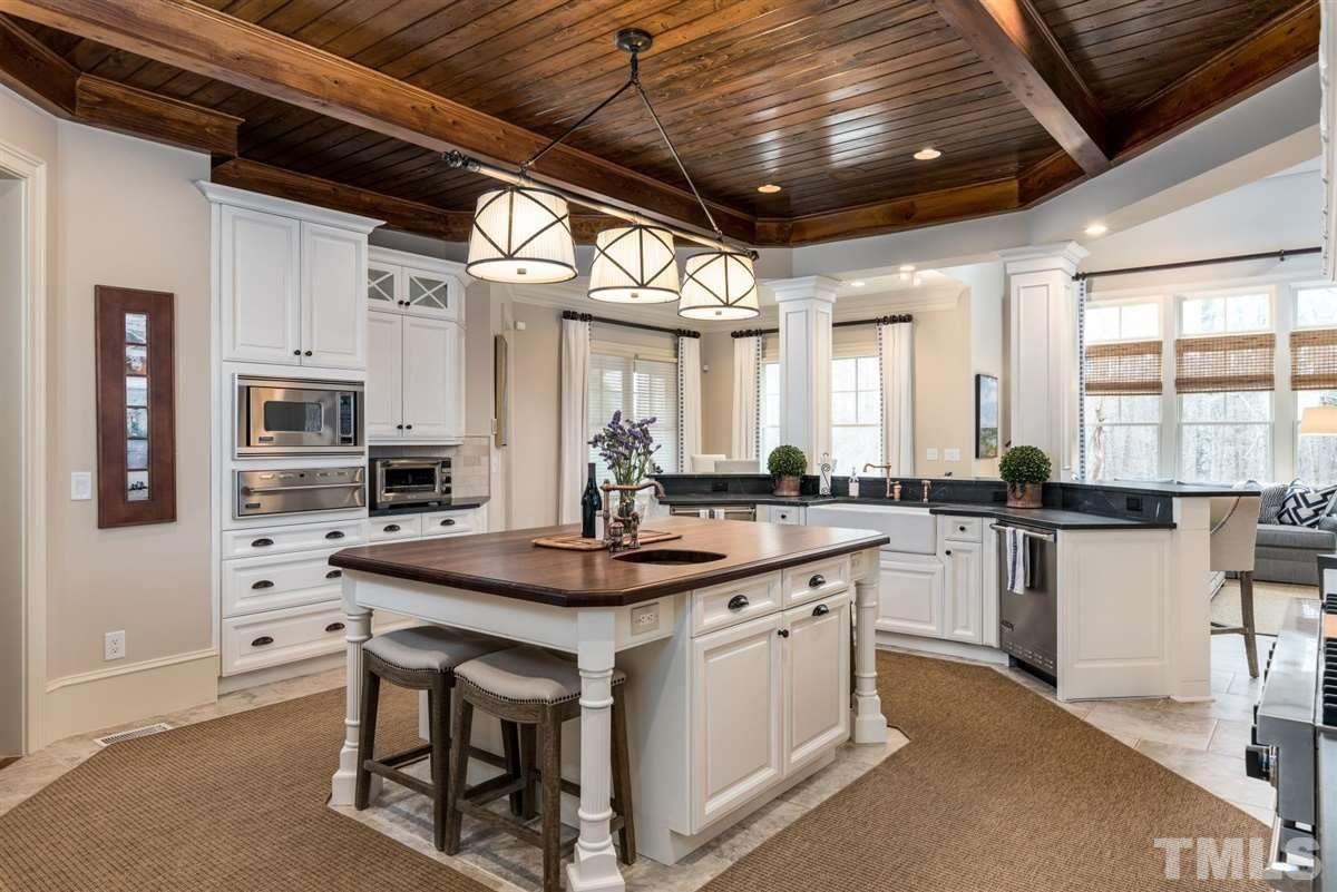 Luxury properties an  incredible estate