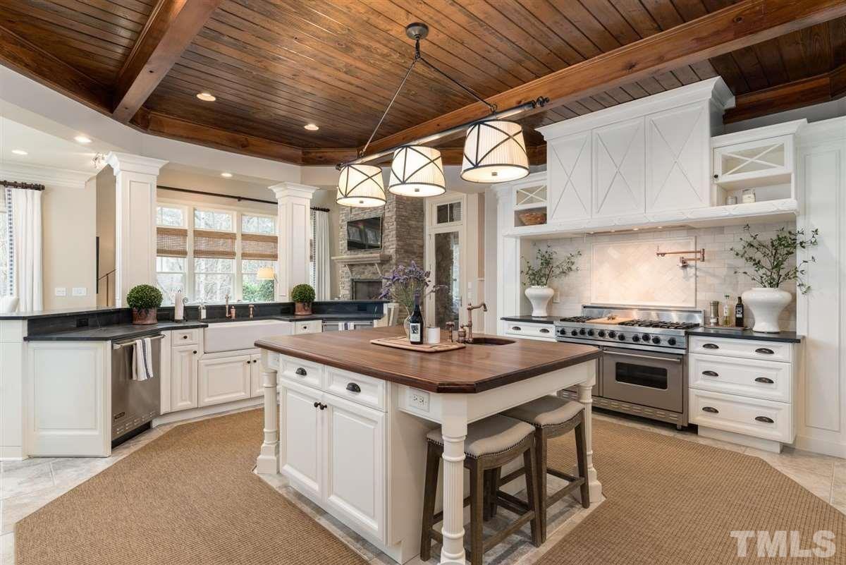an  incredible estate  luxury properties