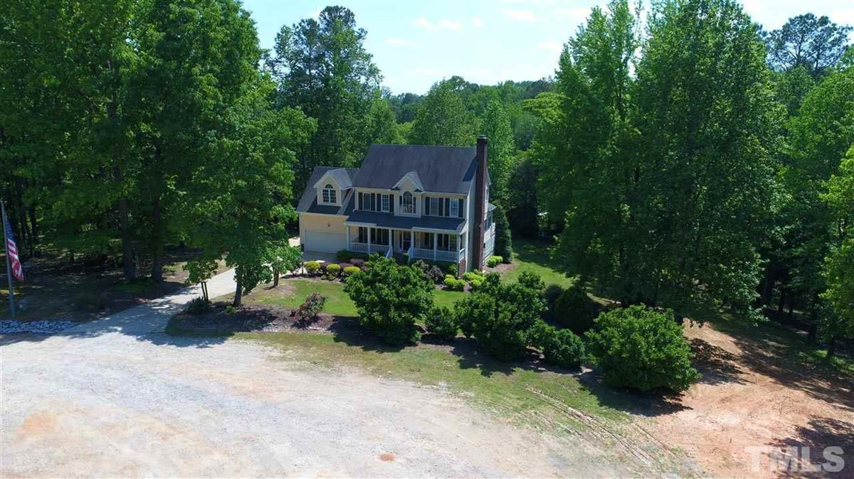 Mansions in Beautiful piece of property in garner