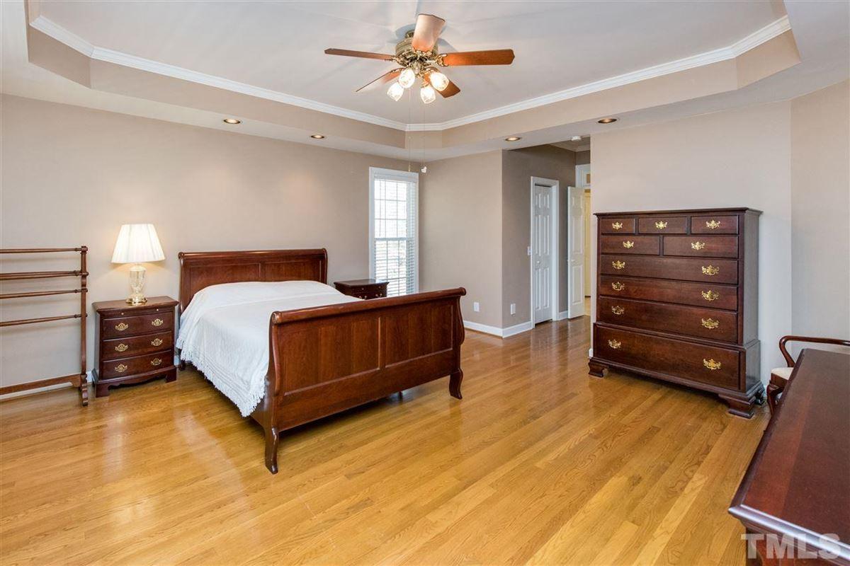Spacious Custom Home with Vaulted Ceilings luxury properties