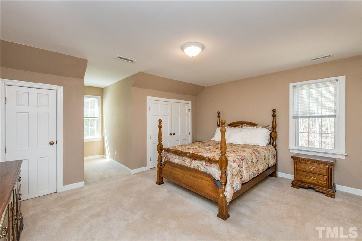 Spacious Custom Home with Vaulted Ceilings mansions