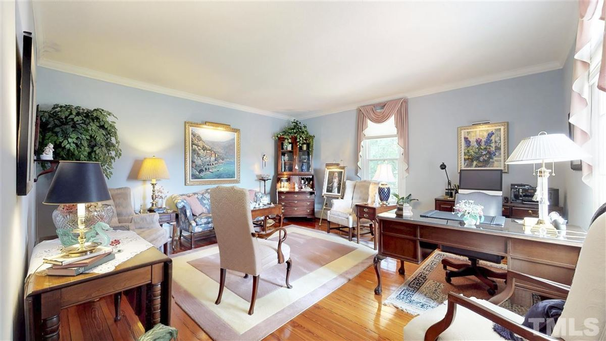 Luxury homes A Rare Jewel