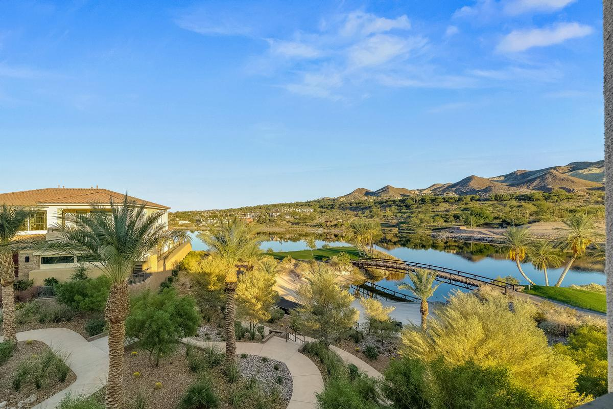 Mansions in Waterfront Property in Lake Las Vegas