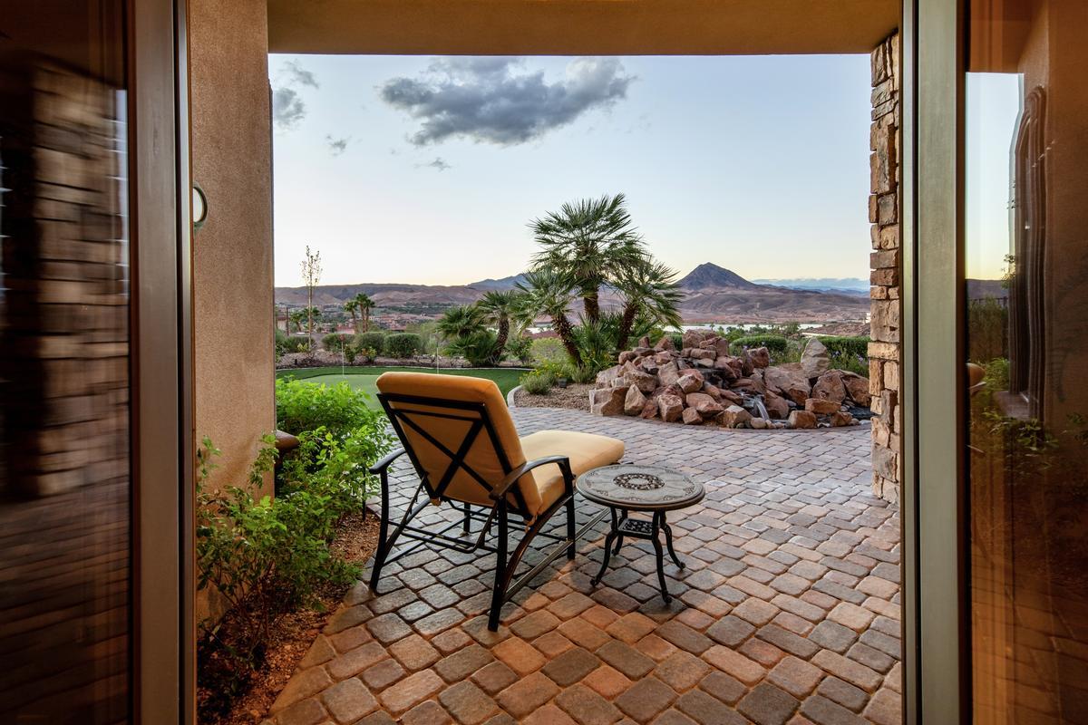 Luxury homes Custom Home in Lake Las Vegas