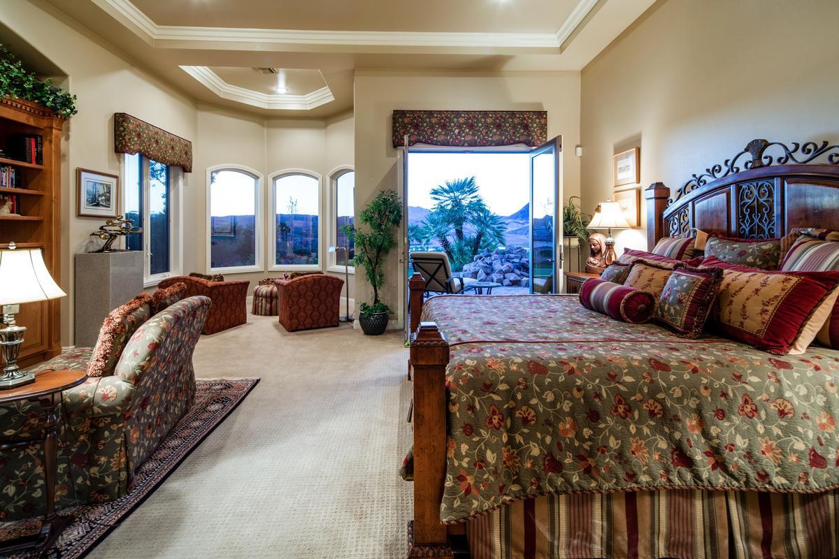 Custom Home in Lake Las Vegas luxury homes