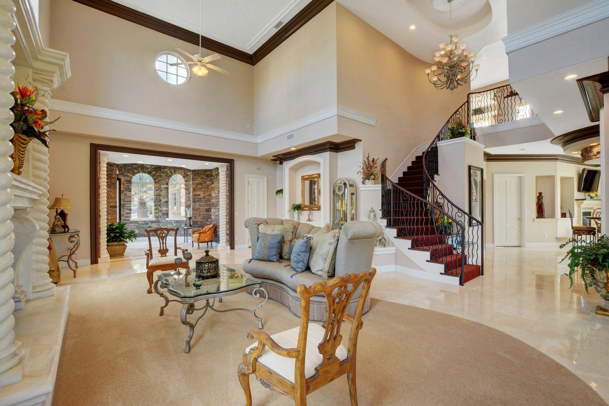 Traditional Elegance in SouthShore luxury homes