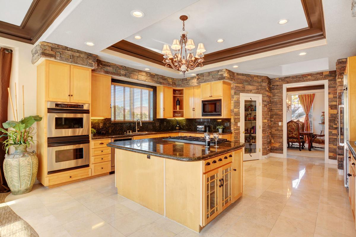 Traditional Elegance in SouthShore mansions